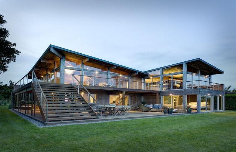 Le métal pour une maison moderne et épurée