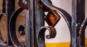 Les portails en métal présentent-ils des points négatifs ?